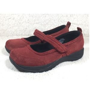 L.L. Bean Shoes Mary Jane Womens Red Size 7.5